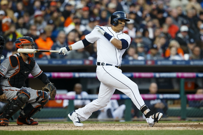 Poll: Should the White Sox sign Victor Martinez; lose pick?